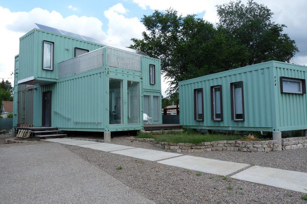 Containerhyra kan rädda situationen, eller bygg ett containerhus!